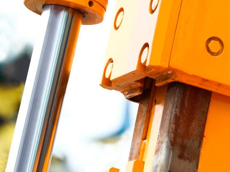 Diferencias entre maquinaria hidráulica, neumática y eléctrica