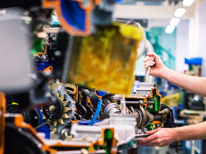 ¿Qué se necesita para ser mecánico industrial?